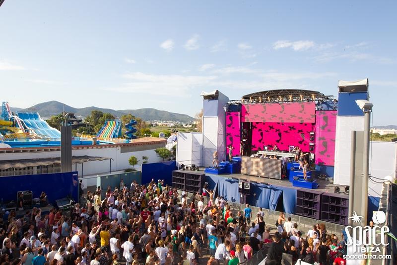Opening 2012 84