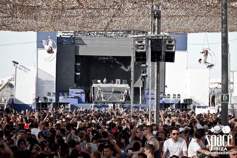 Opening 2012 89